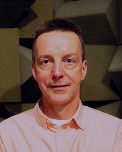 Headshot of Andrew King